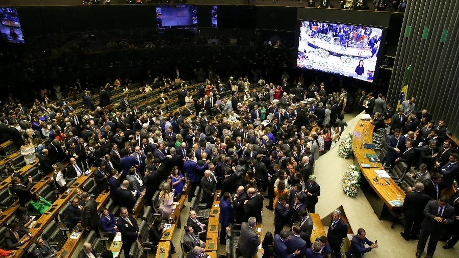 Câmara derruba decreto sobre sigilo e impõe derrota a Bolsonaro