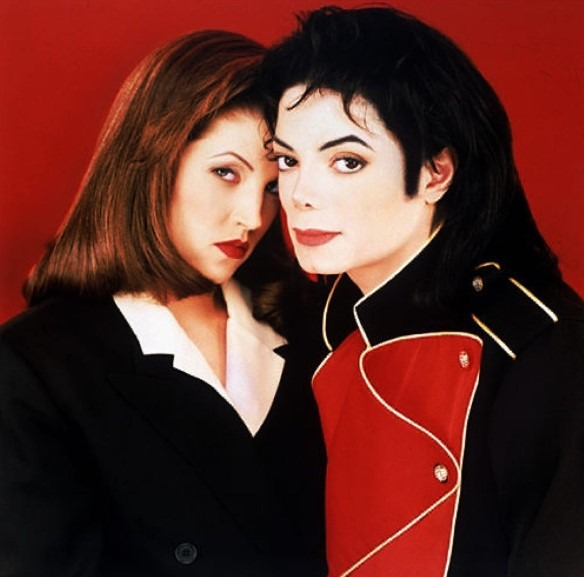 Michael Jackson fazia sexo de forma selvagem, aponta ex