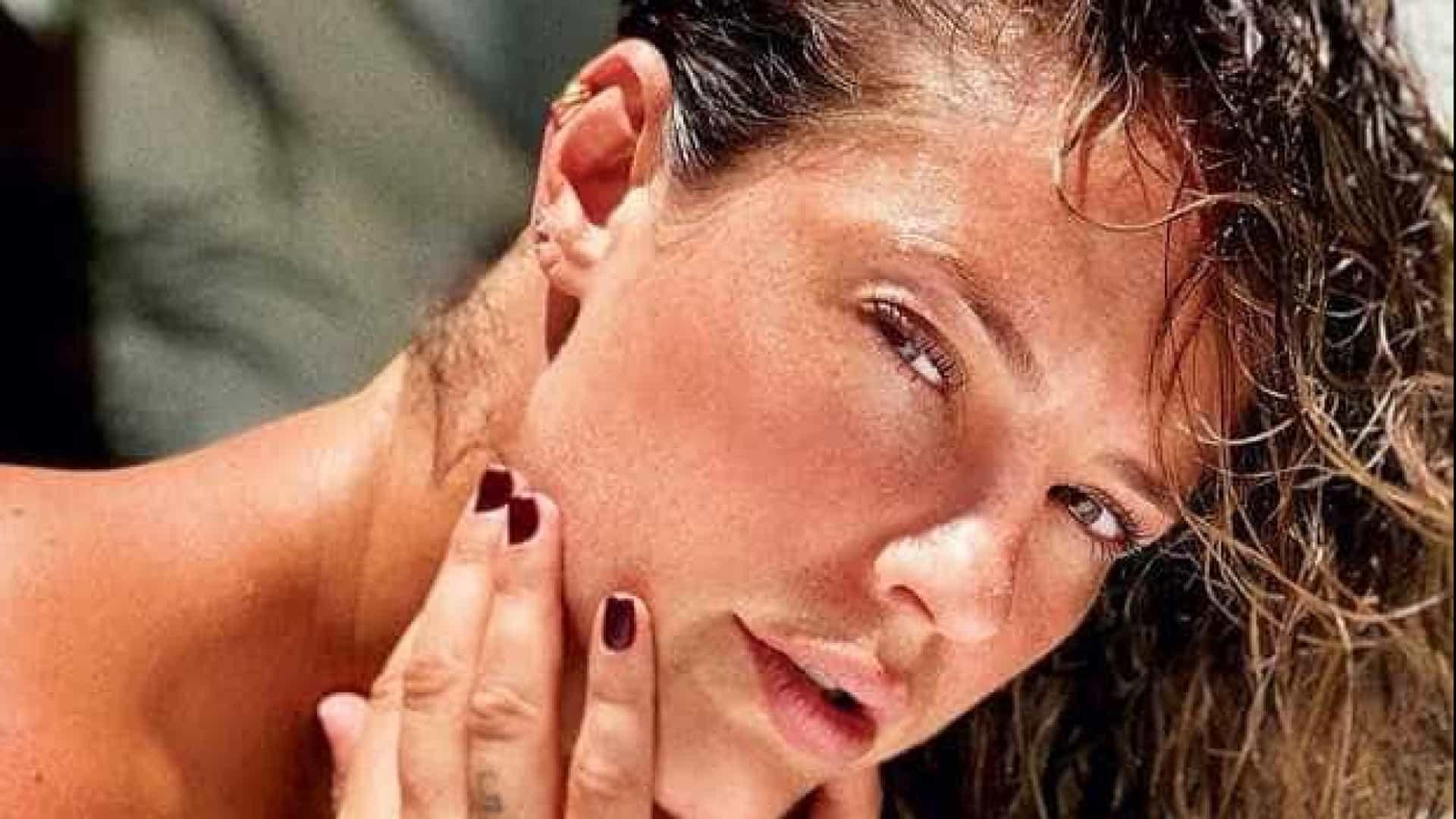 Paolla Oliveira impressiona ao postar foto sem maquiagem