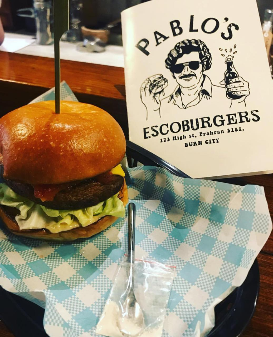 Lanchonete cria burger com cocaína falsa em homenagem a Escobar - Imagem 3