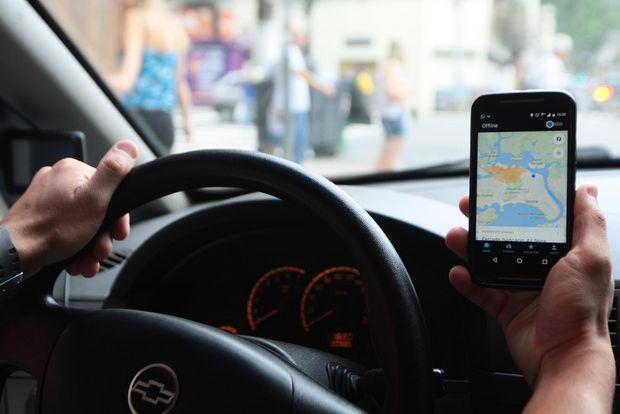 Firmino sanciona lei e estabelece em 2.040 motoristas de aplicativo