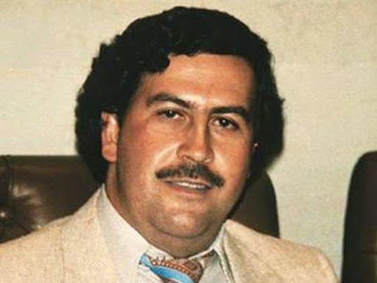 Lanchonete cria burger com cocaína falsa em homenagem a Escobar