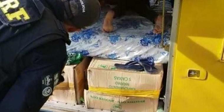 PRF flagra homem viajando em bagageiro de ônibus com destino ao PI