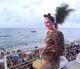 Vestida de onça, Claudia Leitte encerra último dia da folia na Bahia