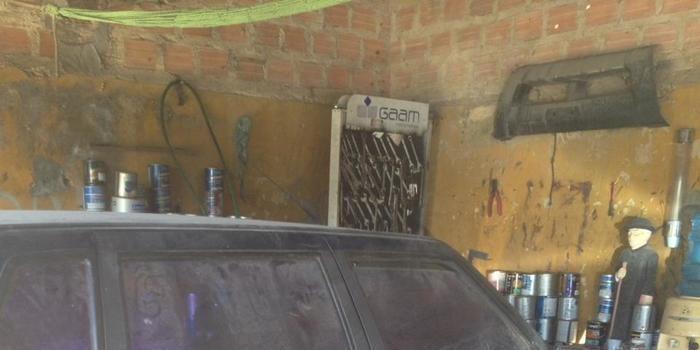 Castelo: Internautas denunciam carro da prefeitura abandonado há quase 01 ano em oficina