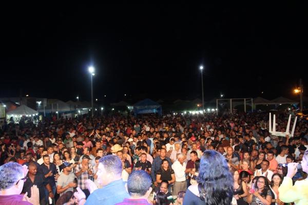 Show com Zé Cantor encerra programação de aniversário de Santo Inácio do Piauí