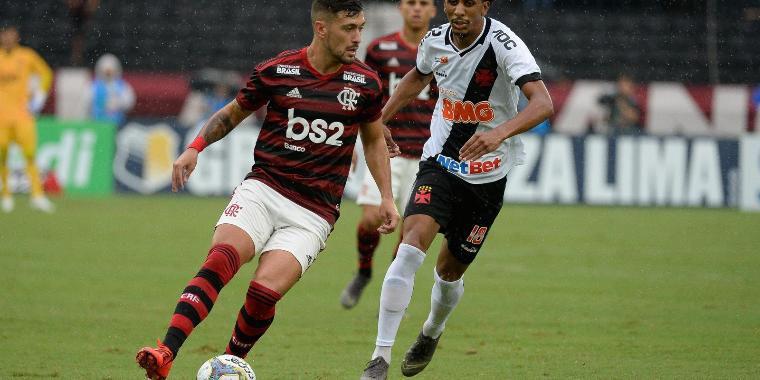 Arrascaeta comemora novo ritmo que deu ao Flamengo na final do carioca