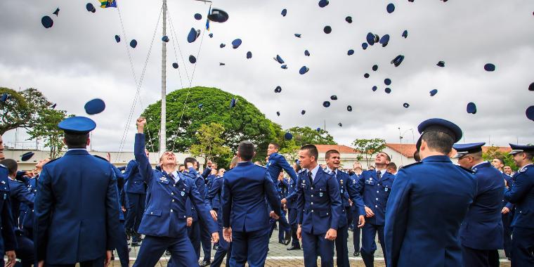 Aeronáutica abre concurso para 180 vagas de cadetes do ar