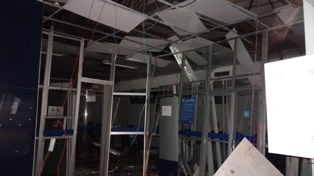 Quadrilha fortemente armada explode dois bancos em Campo Maior - Imagem 3