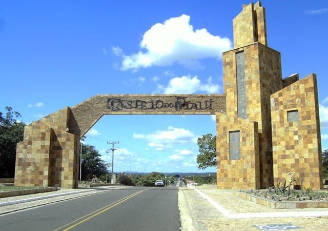 População reclama de buracos em estrada da zona rural de Castelo