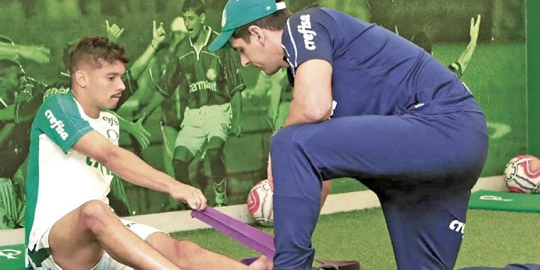 Palmeiras deve pegar o líder com desfalques