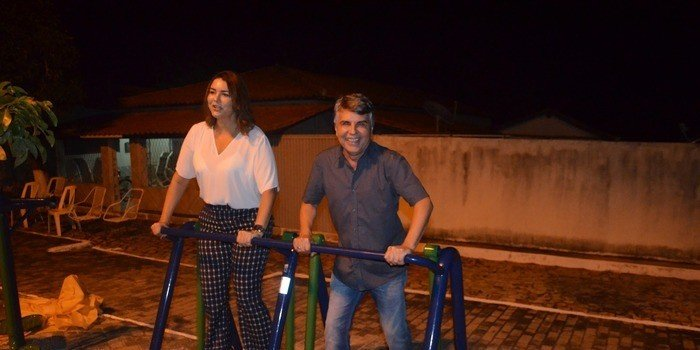 Secretaria de Infraestrutura do Estado entrega academia popular junto com prefeito João Luiz