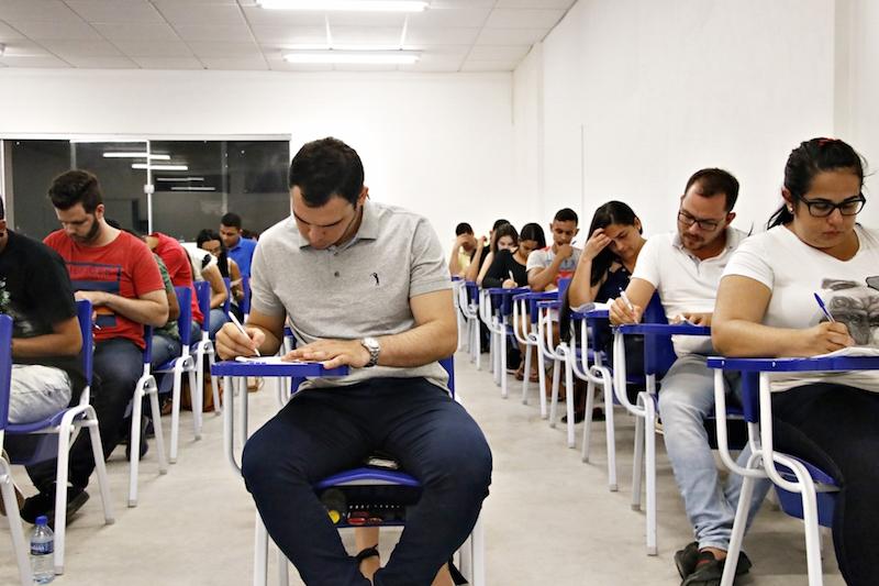168 concursos abrem para 14 mil vagas com salários até R$ 20 mil - Imagem 1