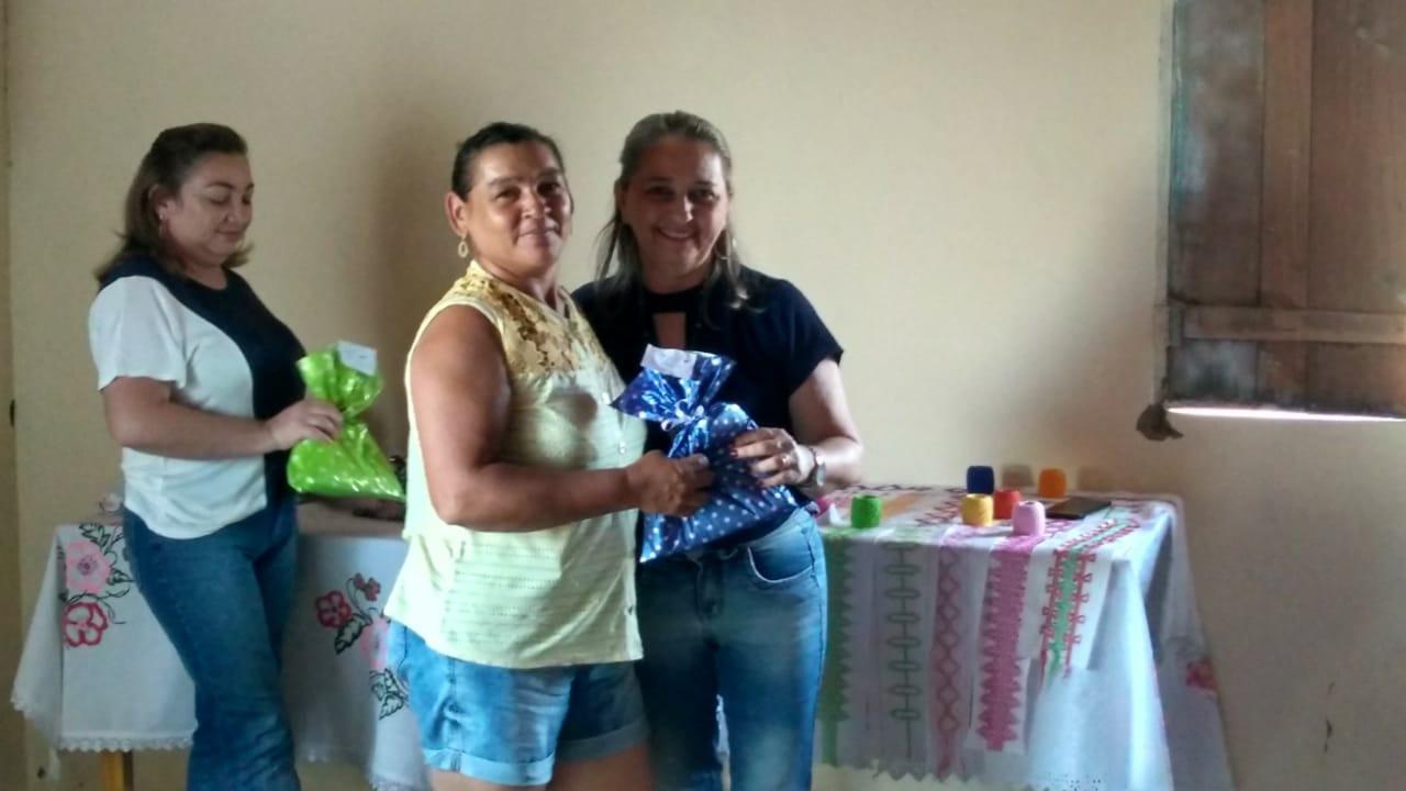 Mulheres da localidade Pé do Morro participam de oficina  de bordado - Imagem 2