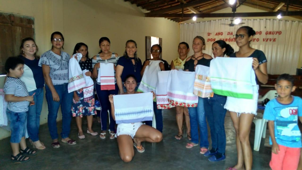 Mulheres da localidade Pé do Morro participam de oficina  de bordado - Imagem 3