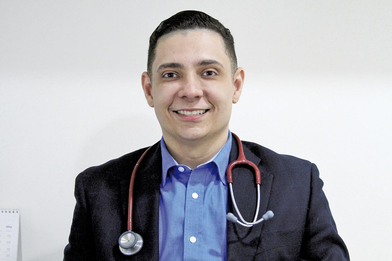 Kelson Almeida, doutor em Neurologia | Crédito: Raíssa Morais