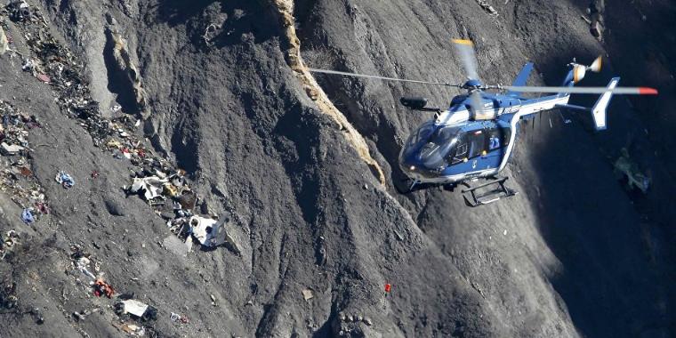 Vídeo mostra exato momento de colisão entre avião e helicóptero