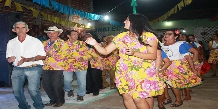 SEMAS realiza seu arraiá com a participação de grupos e a campeã Bag Dance