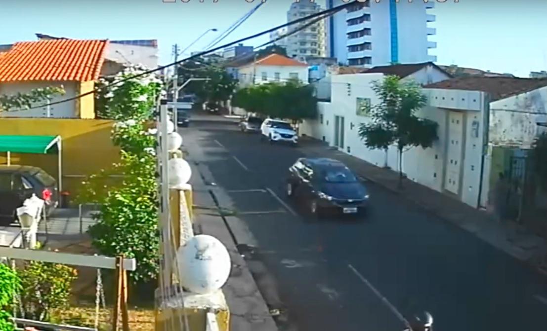 Vídeo: Câmera registra fuga de acusado de tentar matar estudante - Imagem 2