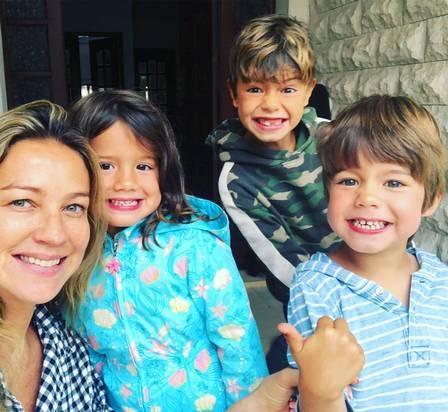 Piovani com os três filhos na casa que alugou em Cascais