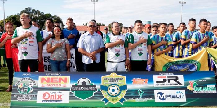 Cerca de 600 atletas participam da abertura da 5ª Copa Água Branca Nordeste de Futebol de Base
