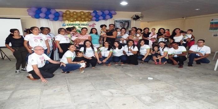 Mães que participam do Criança Feliz participam de palestra ministrada pela Pastoral da Criança