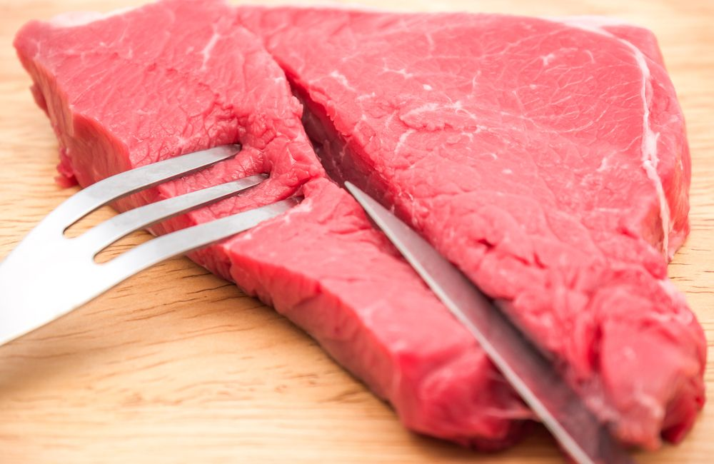 Saiba os riscos do hábito de comer carne crua e como se proteger - Imagem 1