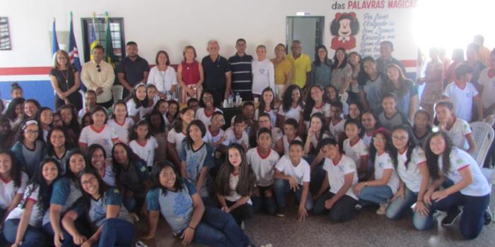 Mais uma comunidade que recebe sua escola reformada