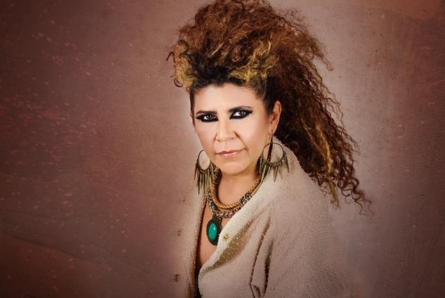 A cantora Rita Benneditto se apresenta na Balada