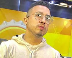 Ítalo Ripardo faz público chorar com homenagem recebida no Bar & Cia