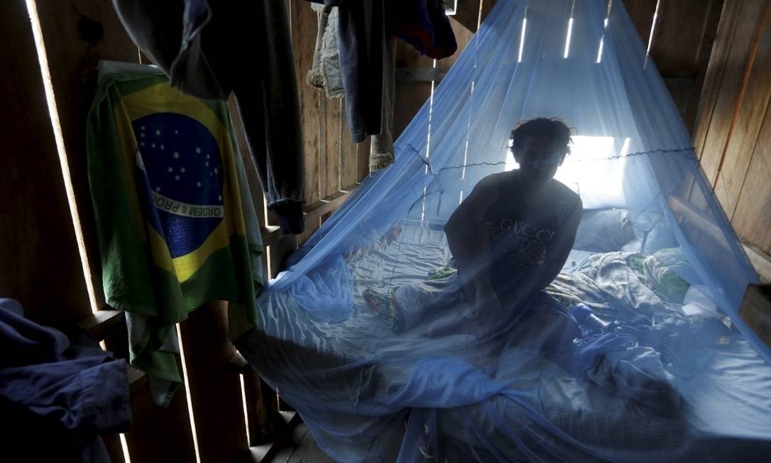 Na Bolívia, o garimpeiro brasileiro Darwin Moaqueira cogita voltar ao Acre Foto: Domingos Peixoto / Agência O Globo