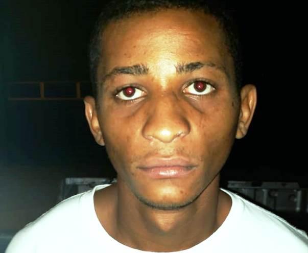 Jovem acusado de roubo é morto a tiros na frente da família no PI - Imagem 1