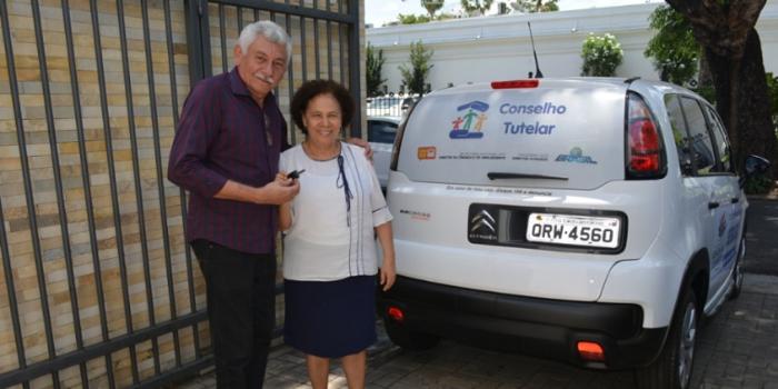 Prefeito Manoel Lázaro adquire veículo para o Conselho Tutelar