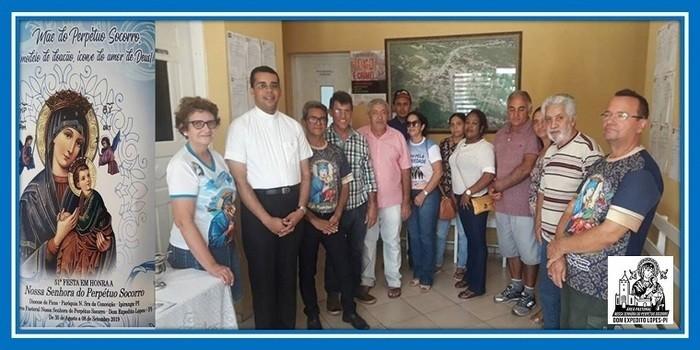 Padre Cláudio visita órgãos públicos de Dom Expedito Lopes
