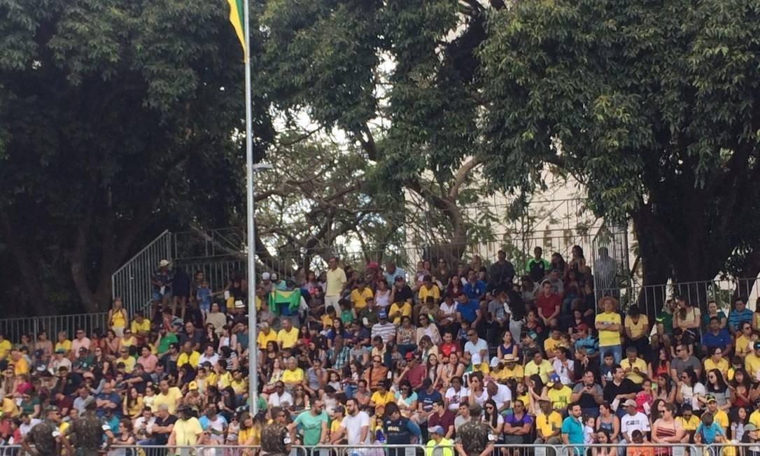 População lota arquibancadas no desfile de 7 de setembro em Brasília Foto: Vinicius Sassine