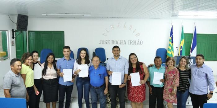 Prefeitura de Uruçui dar posse a servidores
