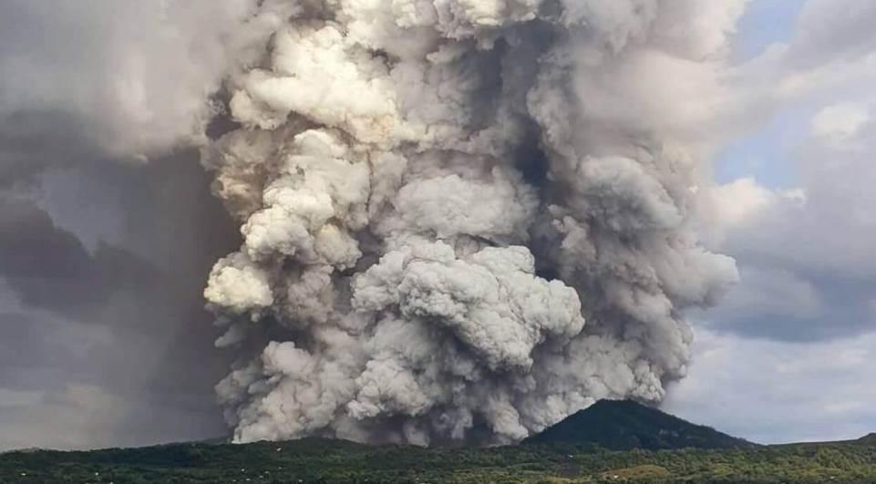Vulcão entra em erupção e cinzas provocam transtornos nas Filipinas - Imagem 4
