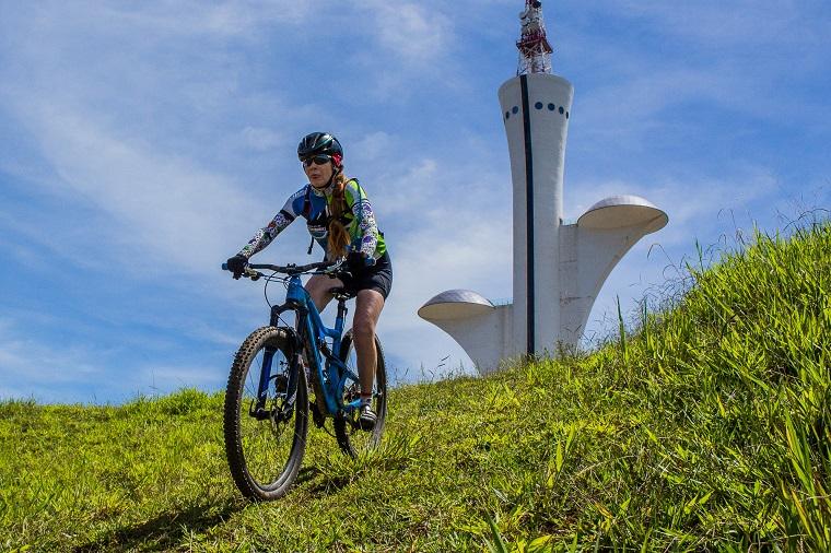 A Torre Digital de Brasília, obra de Oscar Niemeyer, é um dos monumentos que podem ser admirados durante o percurso. Crédito: Leonardo Ghizoni
