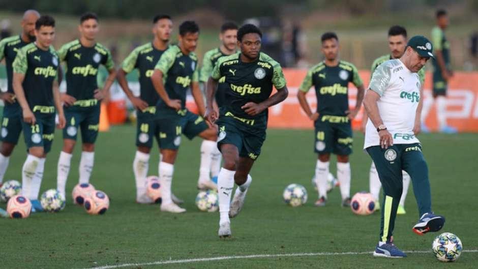 Aproveitar melhor Luiz Adriano é um dos objetivos de Luxemburgo (Cesar Greco/Agência Palmeiras/Divulgação)