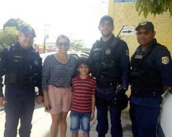 Criança de 7 anos se perde do pai no Centro e caminha sozinho até Timon