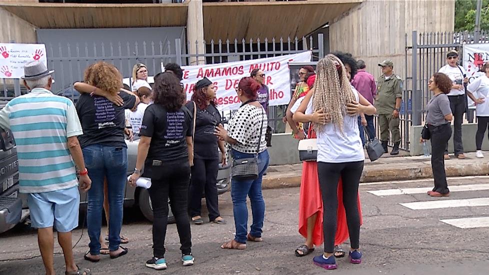 Soltura de dois feminicidas causa protesto em Teresina - Imagem 3