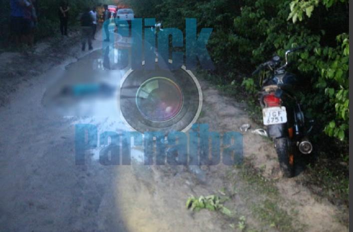 Homem perde controle de moto e morre ao cair em poça d'água no Piauí - Imagem 1