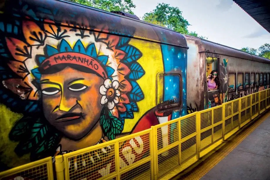 O maior trem de longa distância do país, que percorre 892 quilômetros entre São Luís (MA) e Parauapebas (PA)