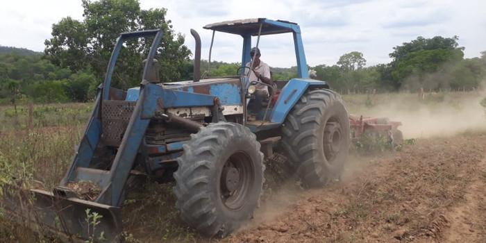 Agricultores de Uruçuí recebem programa de aração de terras