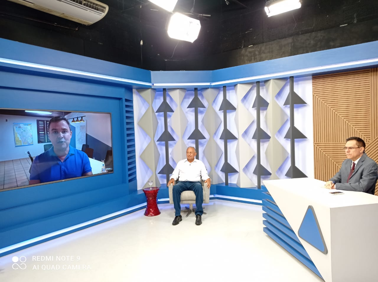 Dr. Pessoa (MDB) é sabatinado no Jornal Agora por outros candidatos - Foto: Efrém Ribeiro