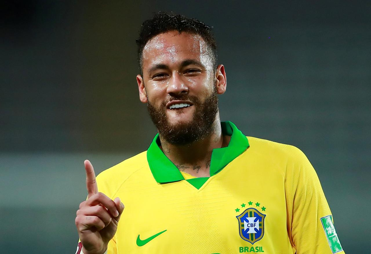Brasil venceu o Peru por 4 a 2; Neymar fez três gols Foto: Globo Esporte