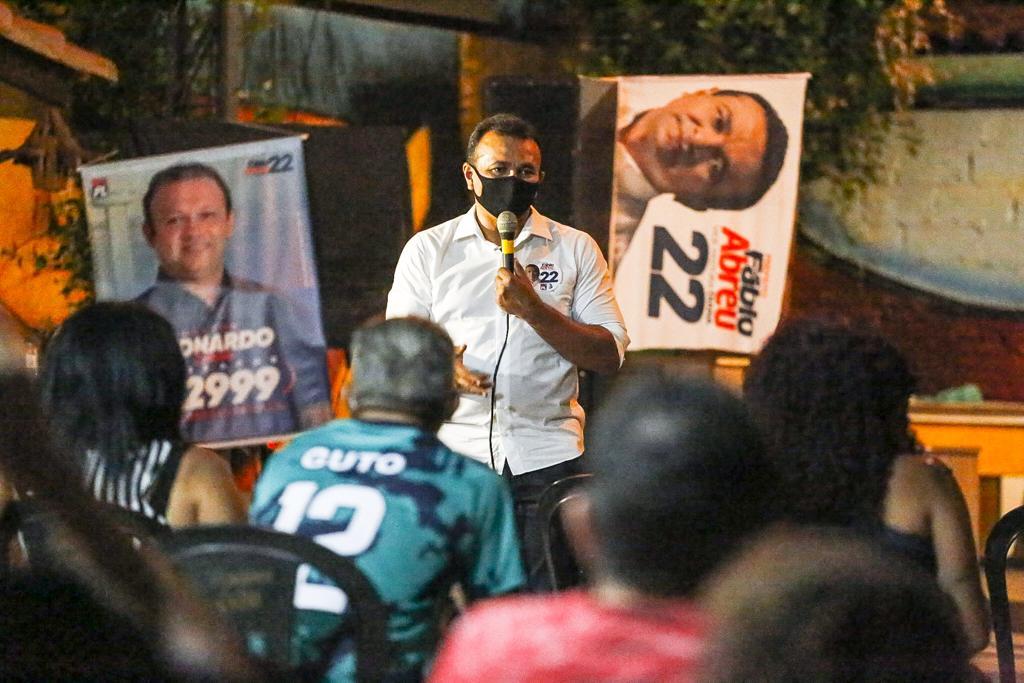 Mãe e familiares emocionam Fábio Abreu em reunião no Parque Itararé - Imagem 2