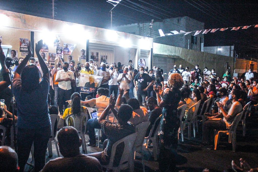 Mãe e familiares emocionam Fábio Abreu em reunião no Parque Itararé - Imagem 1