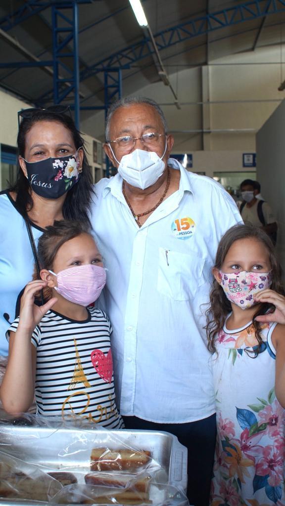 Dr. Pessoa visita Mercado da Piçarra e promete reforma - Imagem 2