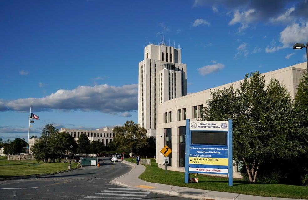 Centro Médico Militar Walter Reed, onde Trump deve passar os próximos dias — Foto: Reuters/Joshua Roberts